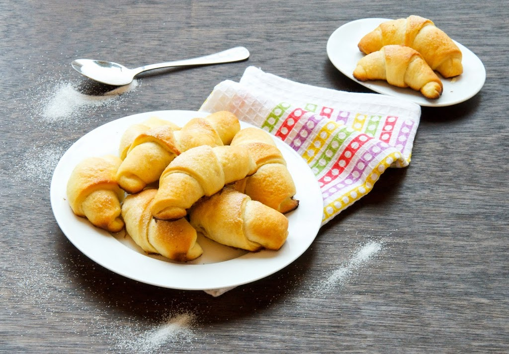 easter-bread-Horn-Rolls-With-Rose-Hip-Jam-Crescent-Sweet-Kiflichki