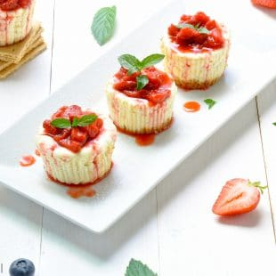 light-cheesecake-cupcakes-strawberry-topped-new-york-style-mini