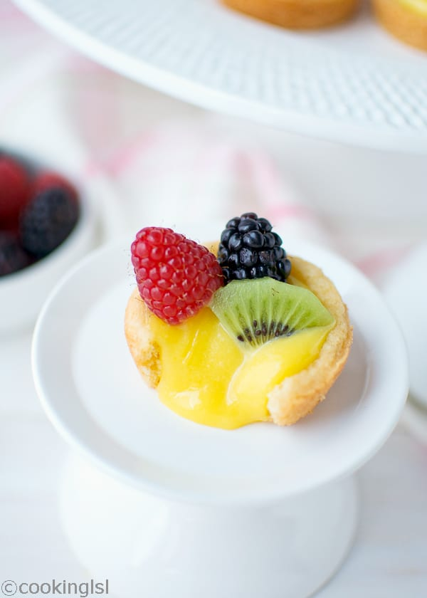 berry lemon curd tartlets
