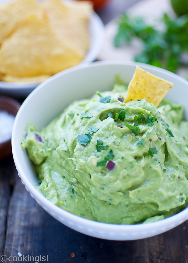 Fresh-Easy-Blender-Guacamole-garlic-no-tomato-5-minutes-appetizer