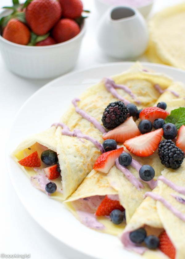 Berry Cheesecake Crepes Recipe