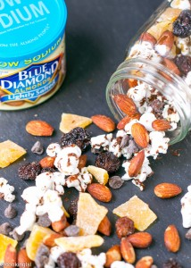 chocolate-popcorn-almond-cherry-mango-trail-mix-blue-diamond