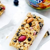 blueberry-almond-no-bake-granola-bars