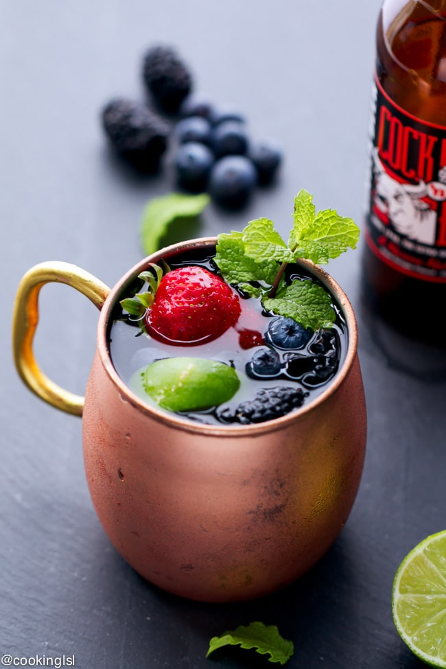 berry-Moscow-Mule-cocktail-recipe
