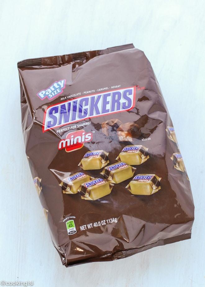 #GameDayGlory-snickers-cheesecsake-recipe