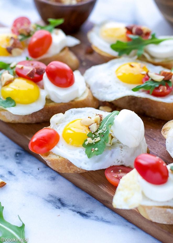 quail-eggs-crostini-recipe