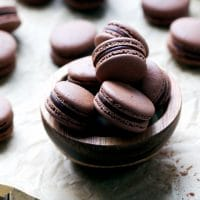 Chocolate-Macarons-With-Chocolate-Peppermint-Ganache-Recipe