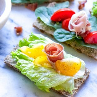 BLT-Cracker-Bites-With-Wasa