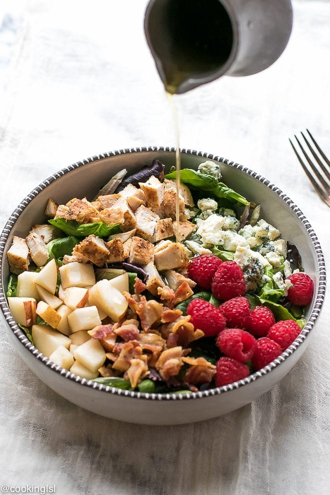Spinach and Pear Salad with Raspberry Vinaigrette
