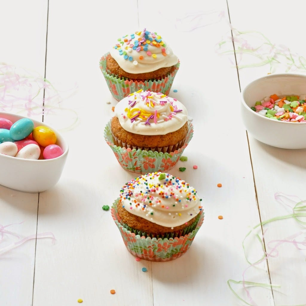 easter-carrot-cake-cupcakes-with-Cream-Cheese-Frosting