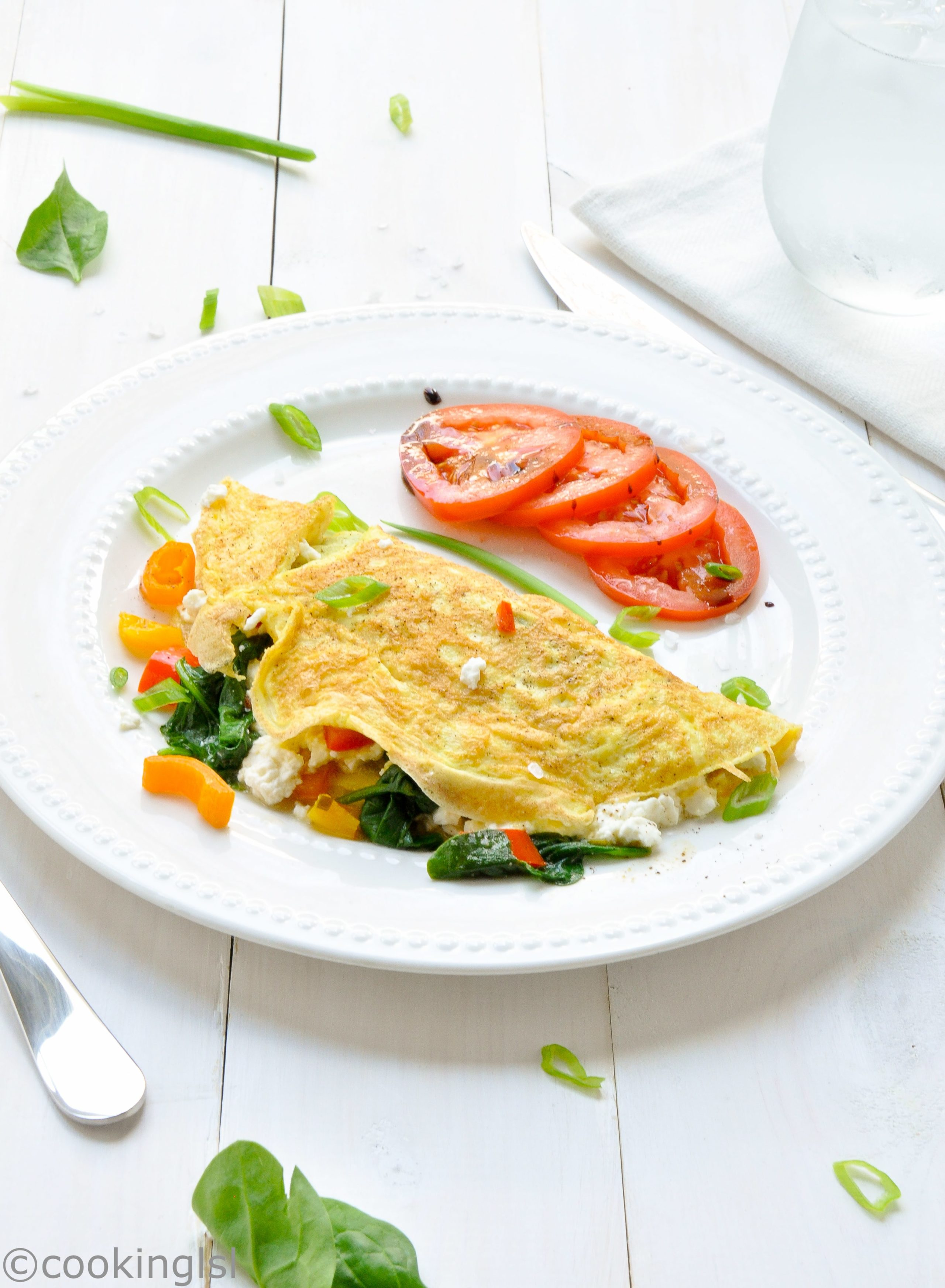 Omelet with Spinach, Red Pepper and Feta