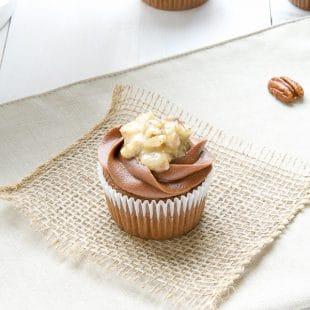 GERMAN-CHOCOLATE-CUPCAKES