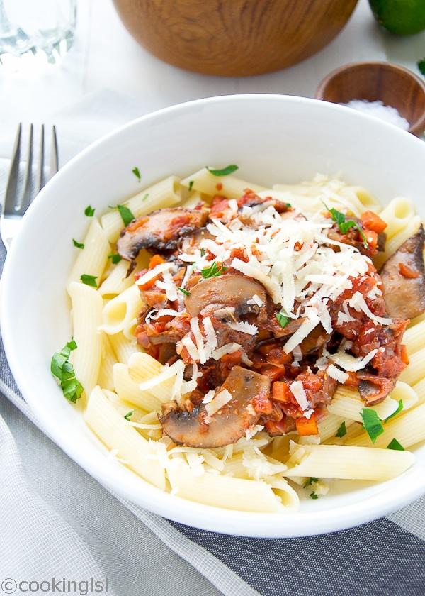 quinoa-pasta-portobello-mushroom-sauce