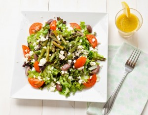 Green salad with asparagus and lemon vinaigrette