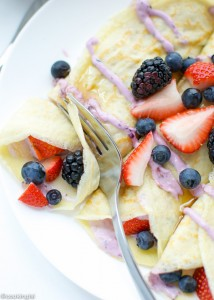 Fresh-Berry-Cheesecake-Crepes-Recipe