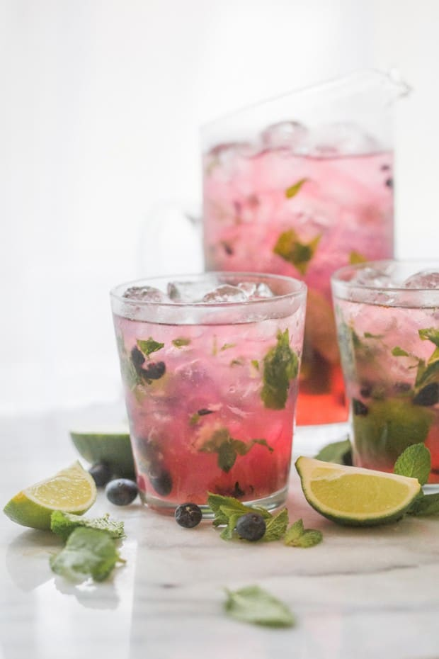 blueberry-mojitos-for-a-crowd