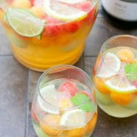 sparkling-wine-melon-ball0sangria