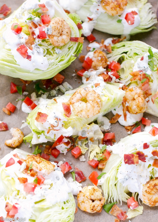 gulf-shrimp-wedge-salad-sizzlefish-blue-cheese