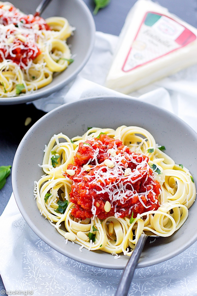 fettuccine-homemade-red-pasta-sauce-fontinella-cheese