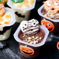 Halloween-Snack-Pack-Mix-Ins-Mummy-Pretzels
