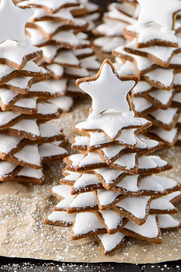 snowy gingerbread christmas trees_715 4