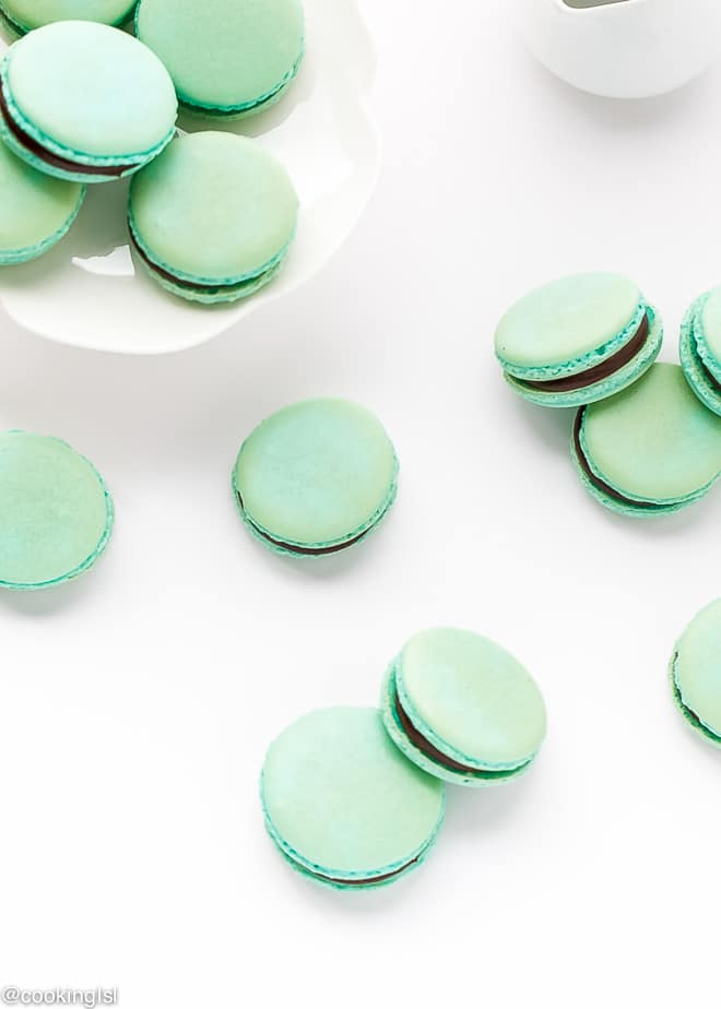 turquoise-french-macarons-rich-chocolate-ganache-recipe