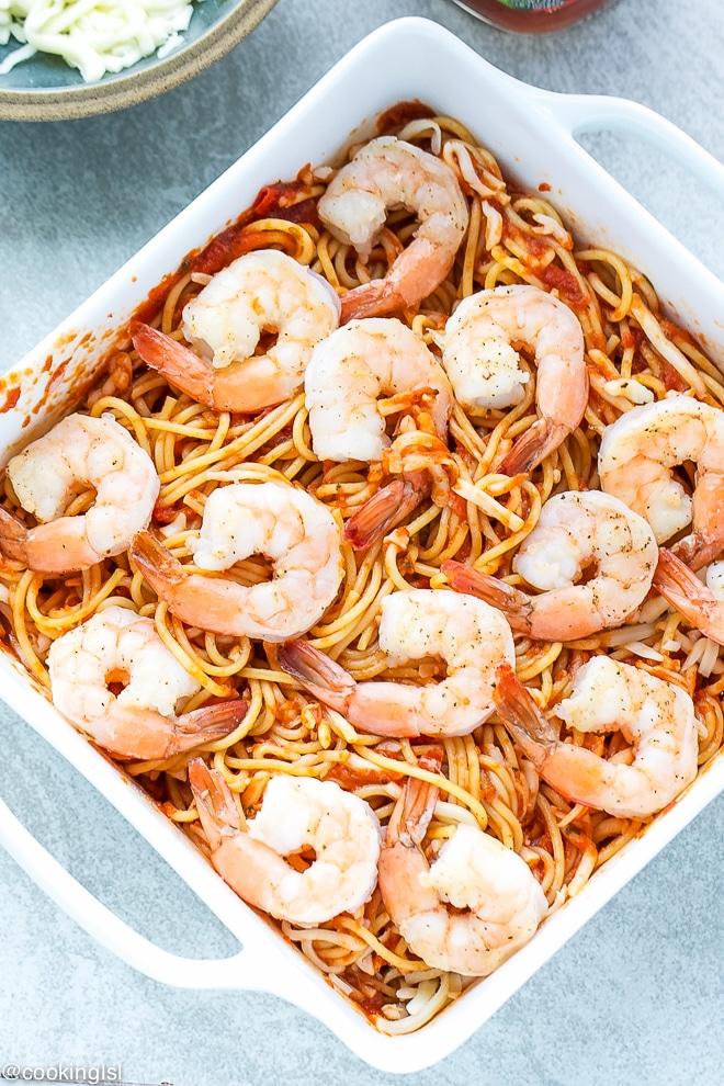 cheesy-baked-spaghetti-with-shrimp