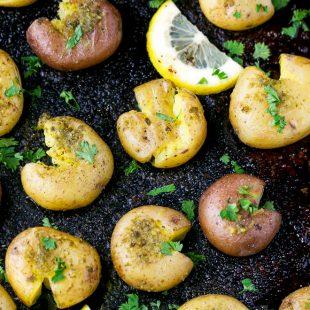 Garlic-Parsley-Smashed-Small-New-Potatoes-Recipe