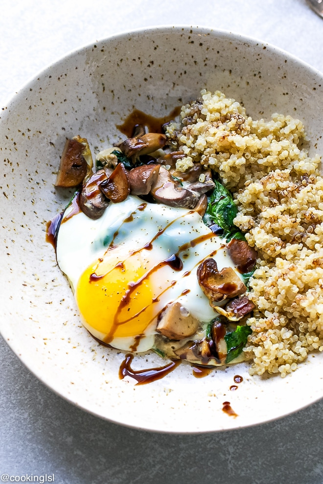 Spinach Mushroom Quinoa Breakfast Bowl Recipe - Cooking LSL