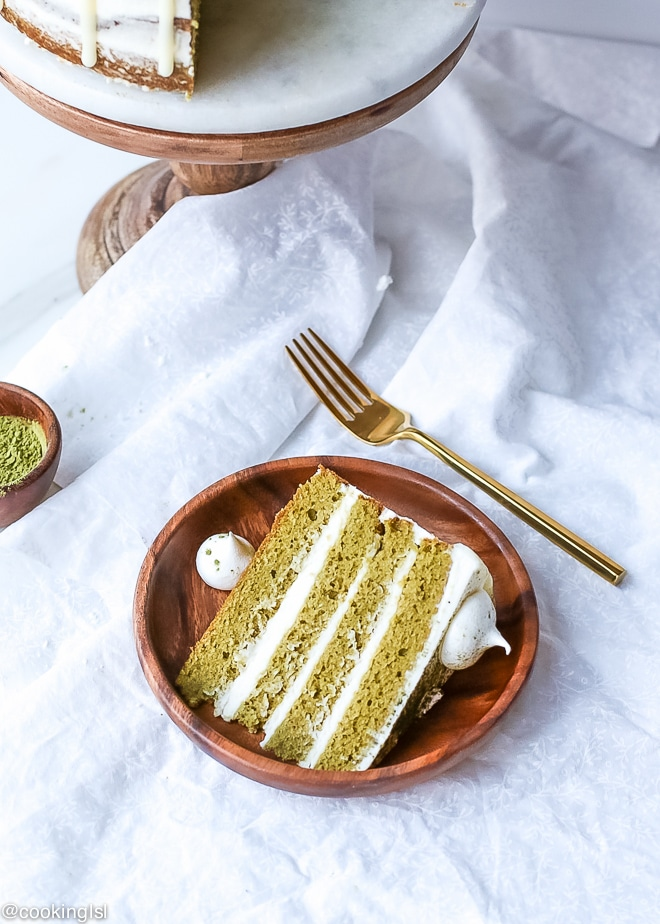 Matcha Layer Cake With White Chocolate Ganache Drip Recipe