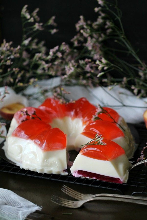 bundt jelly cake with creamy layer