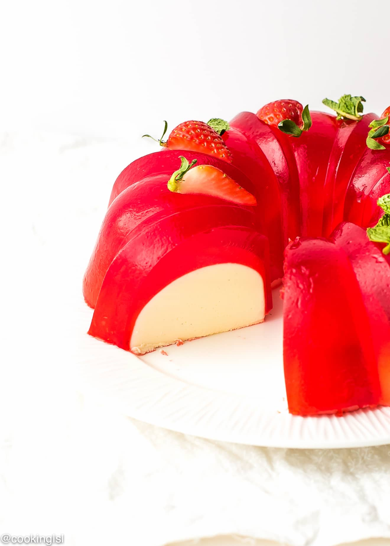 Milk Strawberry Jell O Mold Bundt Recipe Cooking Lsl