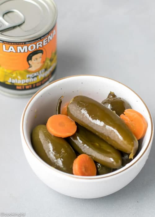 Canned Jalapeno Pizza Recipe . LA MORENA® pickled jalapeño peppers in a bowl, with pickled carrots.
