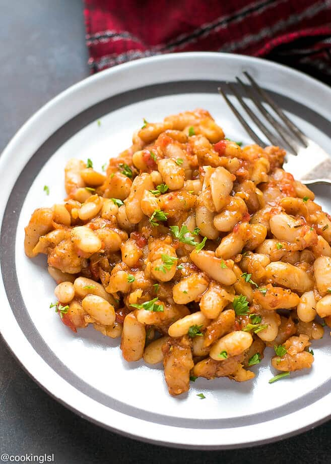 Easy bulgarian baked beans recipe vegetarian cooking lsl easy bulgarian baked beans recipe on a white pottery plate forumfinder Choice Image