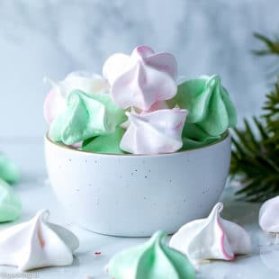 Mini Meringue Cookies Recipe - small meringues, soft on the inside, crunchy on the outside.