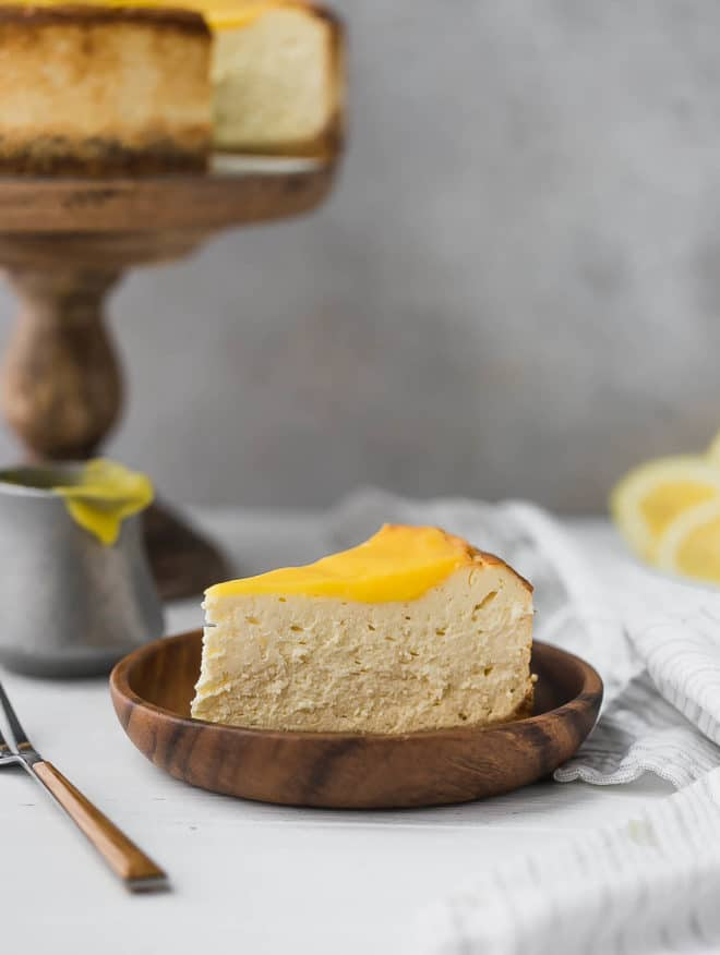 keto Cheesecake Recipe- a slice of cheesecake on a plate