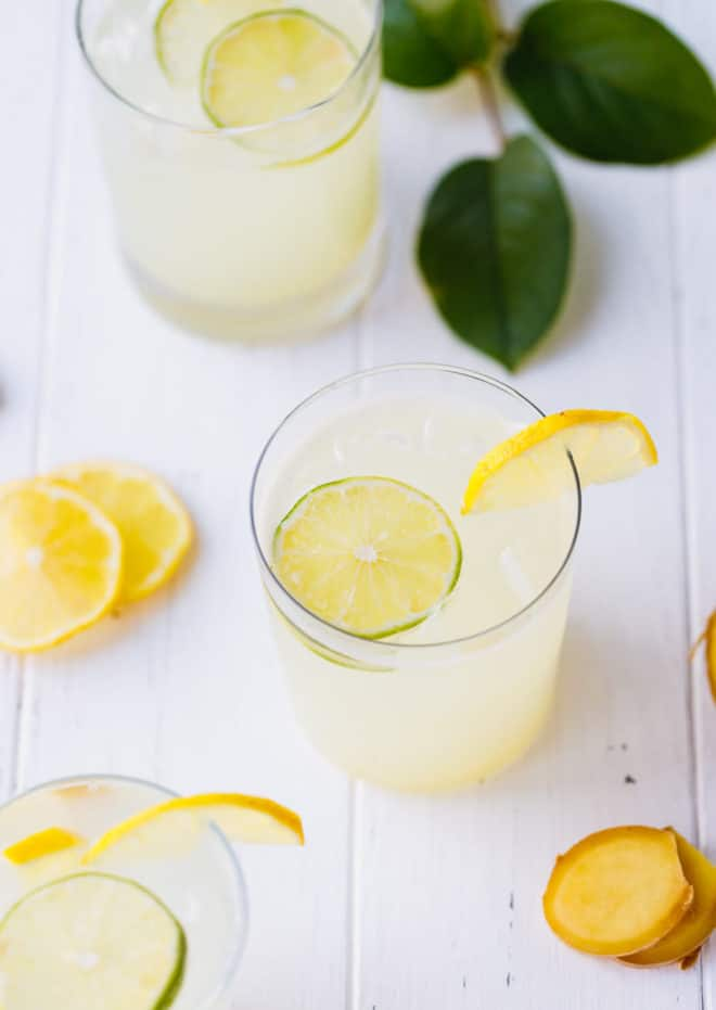 Sugar-Free Ginger Lemonade in a glass with lemon slices