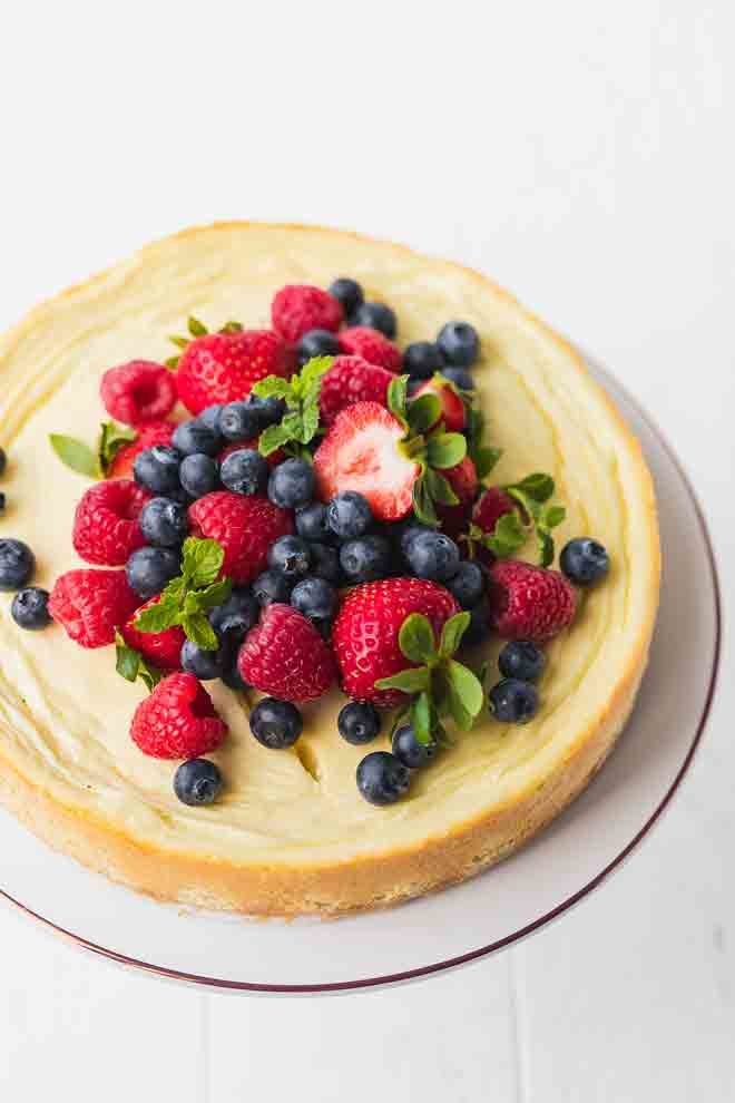 Keto cheesecake recipe topped with berries